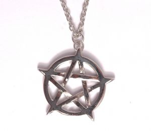 Pentagram fashion design star pendent necklace